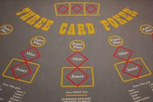 tapis de poker 3 cartes casino shem's Agadir